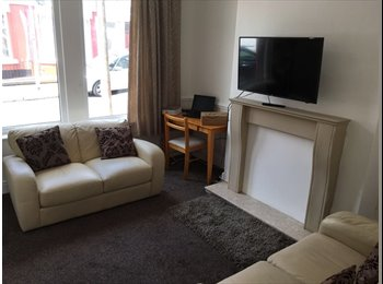 EasyRoommate UK - Rooms to rent in a newly refurbished house from 55pw , Wavertree - £240 pcm