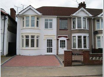 EasyRoommate UK - Double Room - No Deposit, Great Heath - £345 pcm