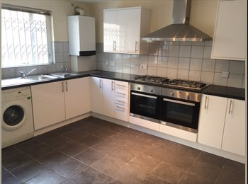 EasyRoommate UK - Rooms in 8 Bedroom Shared House, short walk to NTU & City Centre, Arboretum - £415 pcm