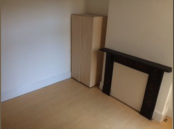 EasyRoommate UK - LUXURY ROOMS available  (10 minutes to local station), Catford - £500 pcm