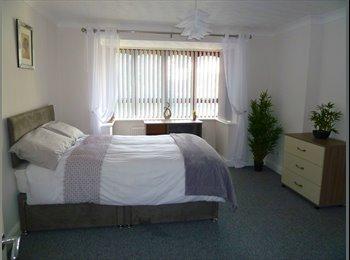EasyRoommate UK - Ensuite Double. Fabulous Luxury Professional House , Warrington - £478 pcm