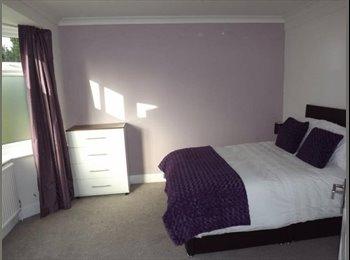 EasyRoommate UK - New *** en suite DOUBLE ROOM *** DUDLEY, Dudley - £400 pcm