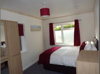 EasyRoommate UK - New ** EN-SUITE DOUBLE ROOM** NEAR DUDLEY, Dudley - £400 pcm