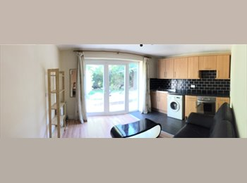 EasyRoommate UK - Great Location - Filton Road - CLOSE TO MOD , UWE ETC, Horfield - £495 pcm