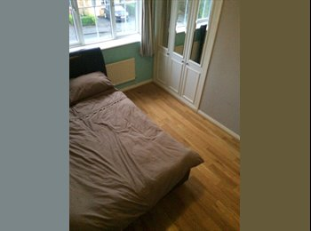 EasyRoommate UK -  Fully Furnished Double Room's  - All Bills Included, Cardiff Gate - £400 pcm
