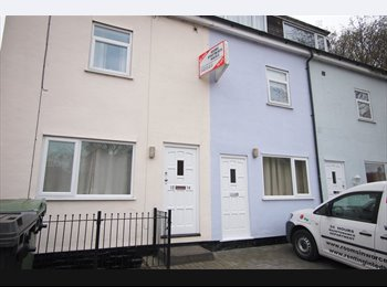EasyRoommate UK - Spacious, Double Room , Worcester - £410 pcm