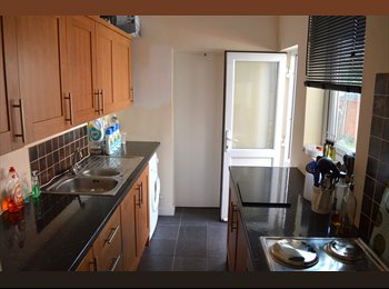 EasyRoommate UK - Furnished property with all bills included Close to coventry University , Whitley - £1,850 pcm