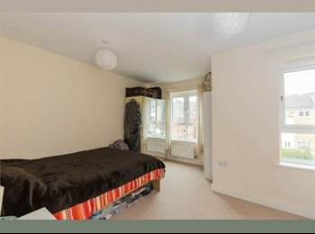 EasyRoommate UK - Double size bedrooms available to rent, High Wycombe - £550 pcm