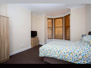 EasyRoommate UK - MODERN DOUBLE ROOM TO RENT, ALL BILLS INC, NO DEPOSIT, FURNISHED, NEWLY DECORATED, SKY TV WIFI , Portsmouth - £500 pcm