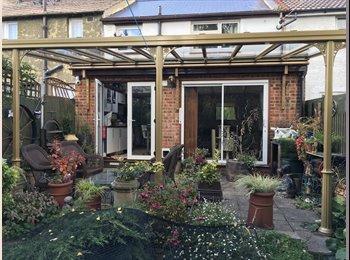EasyRoommate UK - House share , Chatham - £550 pcm