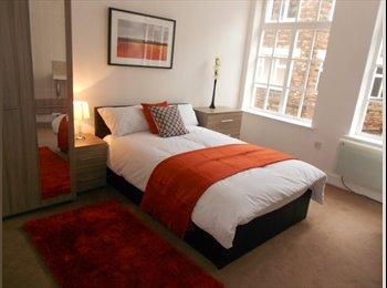 EasyRoommate UK - Large rooms in spacious refurbished house, Birkenhead - £375 pcm