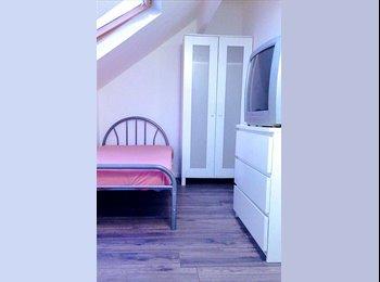 EasyRoommate UK - Cheap, clean & cozy, Huddersfield - £220 pcm