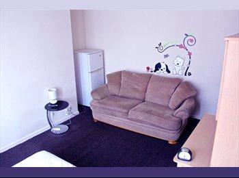 EasyRoommate UK -  Accommodation Student & Professional, Huddersfield - £367 pcm