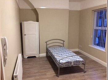 EasyRoommate UK - 5 bedroom house share - rooms available from £100 P/W, Tuebrook - £400 pcm