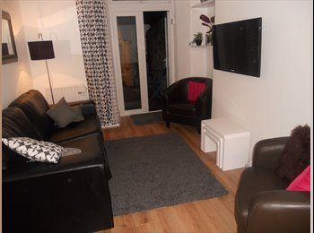 EasyRoommate UK - 4 Rooms available in a 5 Star House-Share. All inclusive Rents, Stoke Village - £415 pcm