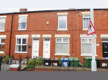 EasyRoommate UK - HOUSE SHARE IN STOCKPORT, Stockport - £375 pcm