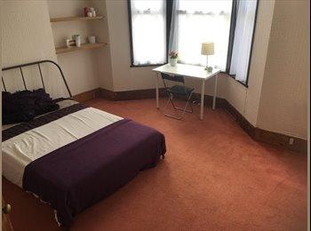 EasyRoommate UK - Large double room , Hastings - £450 pcm