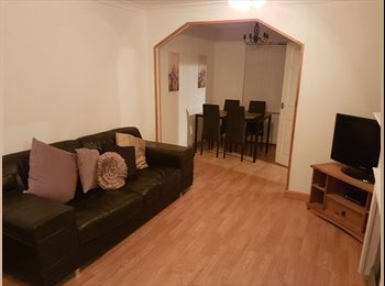 EasyRoommate UK - Two rooms to rent in shared house, Worksop - £360 pcm