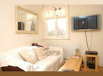 EasyRoommate UK - Bright 2 Double Bedrooms Central Crouch End Flat - Great Price. Available Now!, Crouch End - £700 pcm