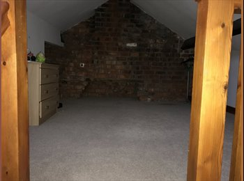 EasyRoommate UK - Fab room, Preston - £300 pcm