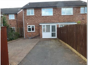 EasyRoommate UK - Student Property - £325 - x4 Double Rooms - Lemington Spa , Leamington Spa - £325 pcm