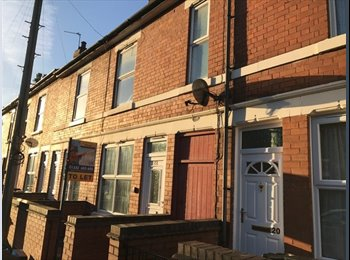 EasyRoommate UK - HOUSE SHARE in SPACIOUS five bedroom, characterful Victorian Villa, Pear Tree - £240 pcm