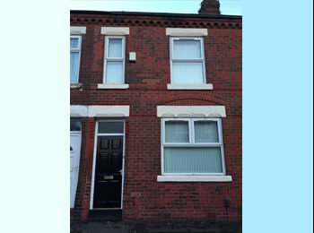 EasyRoommate UK - Rooms to rent within 10min walk to M/cr Centre., Cheetham Hill - £350 pcm
