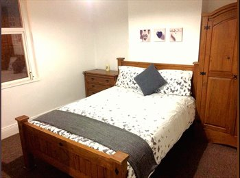 EasyRoommate UK - Two Great Doubles,  11 Minutes To City Centre, Moor Green - £450 pcm