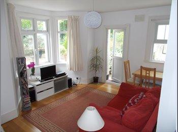 EasyRoommate UK - Beautiful Garden Flat in West Dulwich, West Norwood - £575 pcm