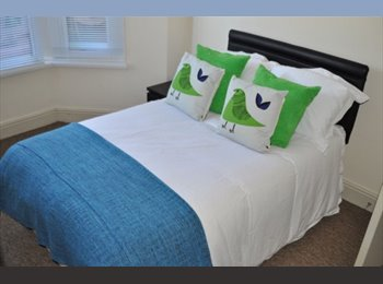 EasyRoommate UK - Beautiful Double Room in Professional Horfield Houses BS7, Filton - £495 pcm