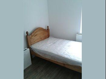 EasyRoommate UK - Large Double Room + All Bills Included £350, Erdington - £350 pcm