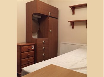 EasyRoommate UK - One single room for rent £400 per month( bills inc) free wifi, Bicester - £400 pcm