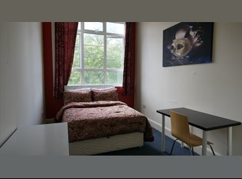 EasyRoommate UK - Double Room Available in Town Center , Bournemouth - £520 pcm