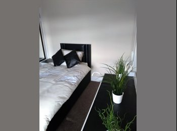 EasyRoommate UK - Newly refurbished rooms , Walsall - £325 pcm