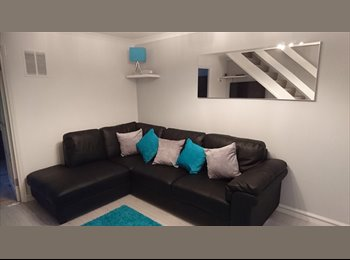 EasyRoommate UK - Lovely furnished 2 bed house looking for one other person, Stevenage - £600 pcm