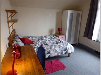 EasyRoommate UK - 2 Large double Bedrooms, Lancaster - £320 pcm
