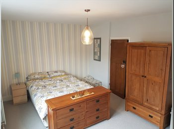 EasyRoommate UK - Large double room in Crookes, Sheffield, Crookes - £450 pcm