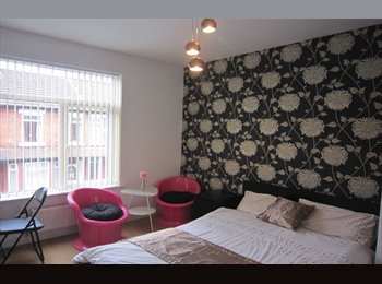 EasyRoommate UK - 8x Luxury Bedrooms in Shared House, Fallowfield - £542 pcm