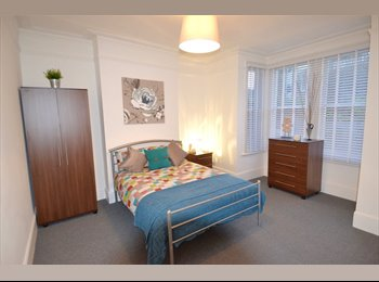 EasyRoommate UK - Stunning House- Lovely Rooms Available Stn-5mins, Catford - £625 pcm