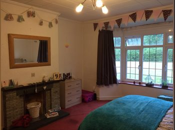 EasyRoommate UK - Very Large Double Room Ashley Road Epsom, Epsom - £650 pcm