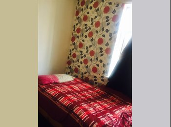 EasyRoommate UK - One single room to rent in cheetham hill only for Muslim girl, Cheetham Hill - £235 pcm