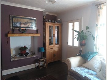 EasyRoommate UK - A Bright ,quiet furnished double room,Brampton, Chesterfield - £390 pcm