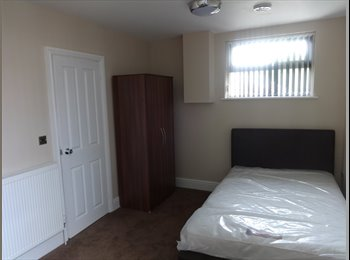 EasyRoommate UK - New Ensuite Rooms Available, Leamington Spa - £630 pcm