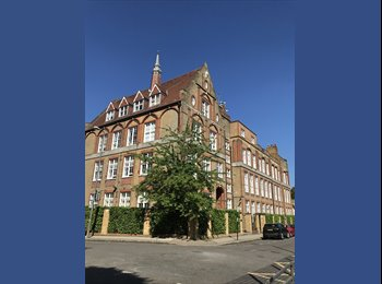 EasyRoommate UK - Clapham Junction, Double Room, Large Sociable Flat, Battersea - £750 pcm