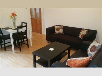 EasyRoommate UK - *** Stunning & Spacious 2 Bed Apartment to Rent in Edgbaston *** , Chad Valley - £875 pcm