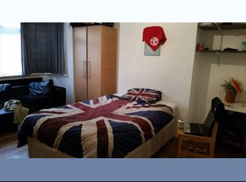 EasyRoommate UK - Huge double room in bounds green!!!, Bounds Green - £600 pm