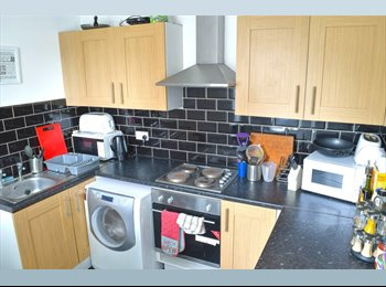 EasyRoommate UK - All inclusive room, S6. Less than 1 mile from City Centre, Upperthorpe - £350 pcm