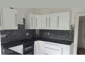 EasyRoommate UK - 3 Large Bedrooms available in large shared house, Crumpsall - £345 pcm