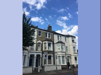 EasyRoommate UK - Double room to rent near Clapham Junction, Battersea - £824 pcm
