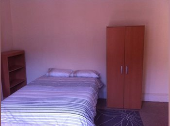 EasyRoommate UK - Huge  Large Double Bedroom in Great Location off Gloucester rd & all bills included, Horfield - £475 pcm